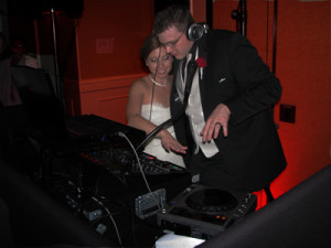 bride and groom djing